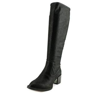 BCBGeneration Sunshine Black Boot 5.5